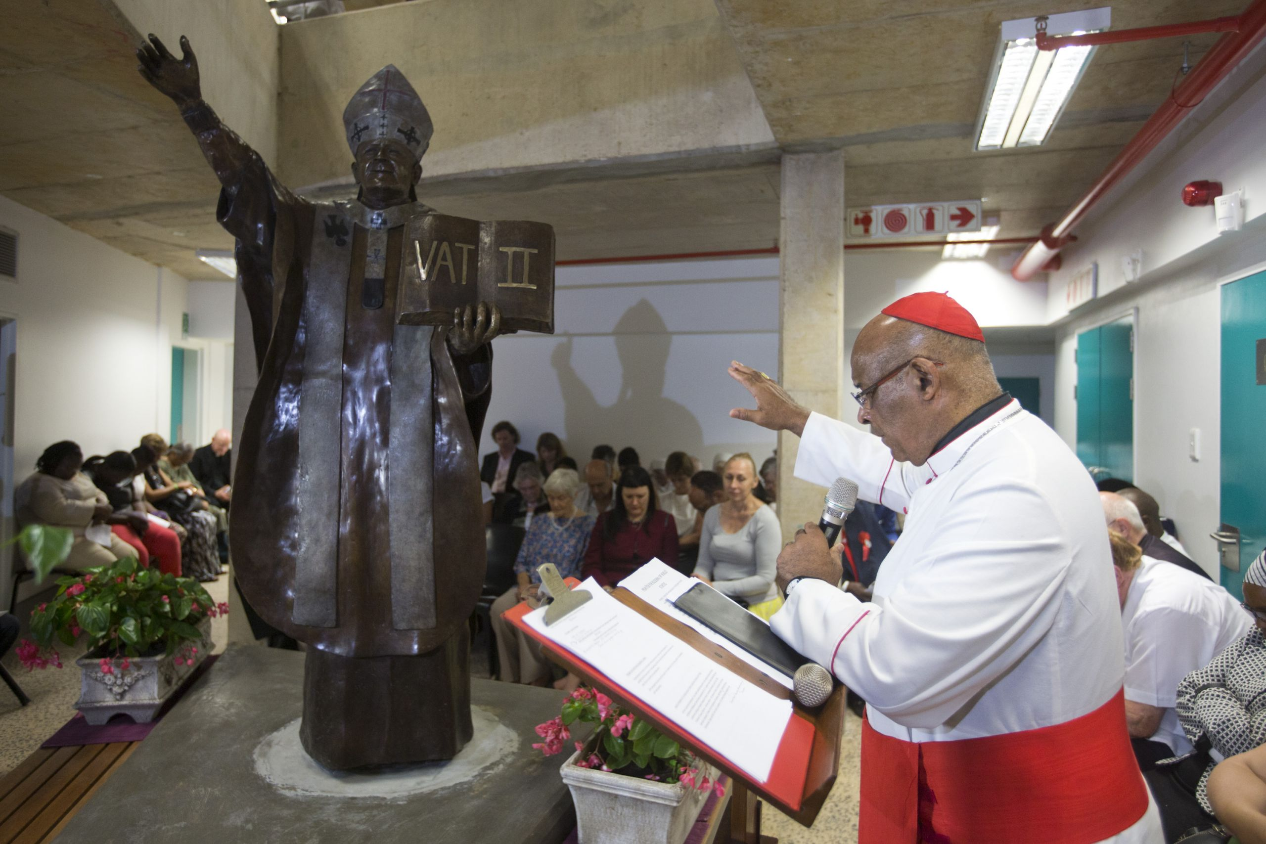 Cardinal Napier blesses the Denis Hurley Centre